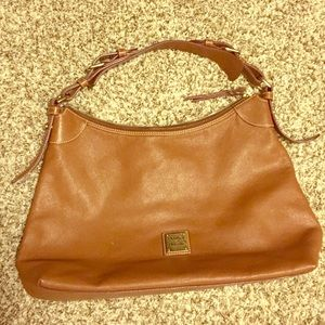 Dooney & Bourke large hobo tote in camel EUC